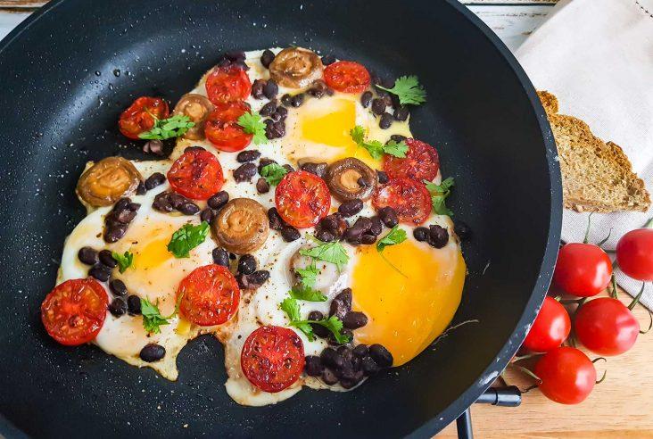 Aamiaispannu munakas