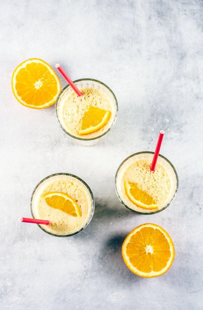 Keltainen proteiini smoothie