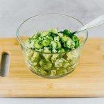 Avokadokurkkutillisalaatti