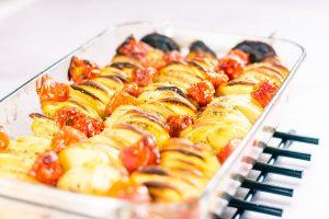 Peruna tomaatti uunivuoka 2