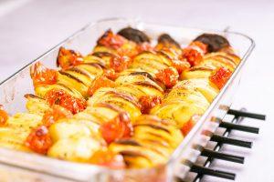 Peruna tomaatti uunivuoka2