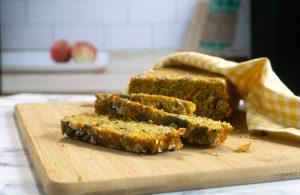 Maukas vuokaleipä syntyy, ruis- ja maissijauhoista, kaurahiutaleista ja porkkanasta.