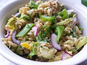 Tonnikala pasta salaatti 3