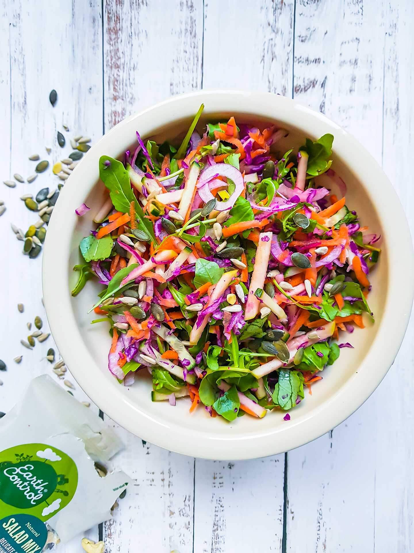 Värikäs salaatti