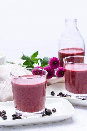 Mustikka-avokado-sitruuna smoothie