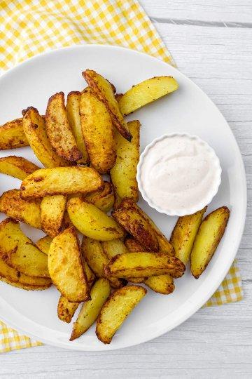 Rapeat Airfryer perunat ja valkosipuliaioli