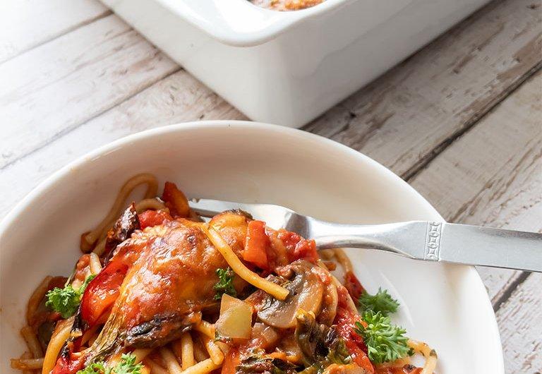Uuni spagetti kasviksilla