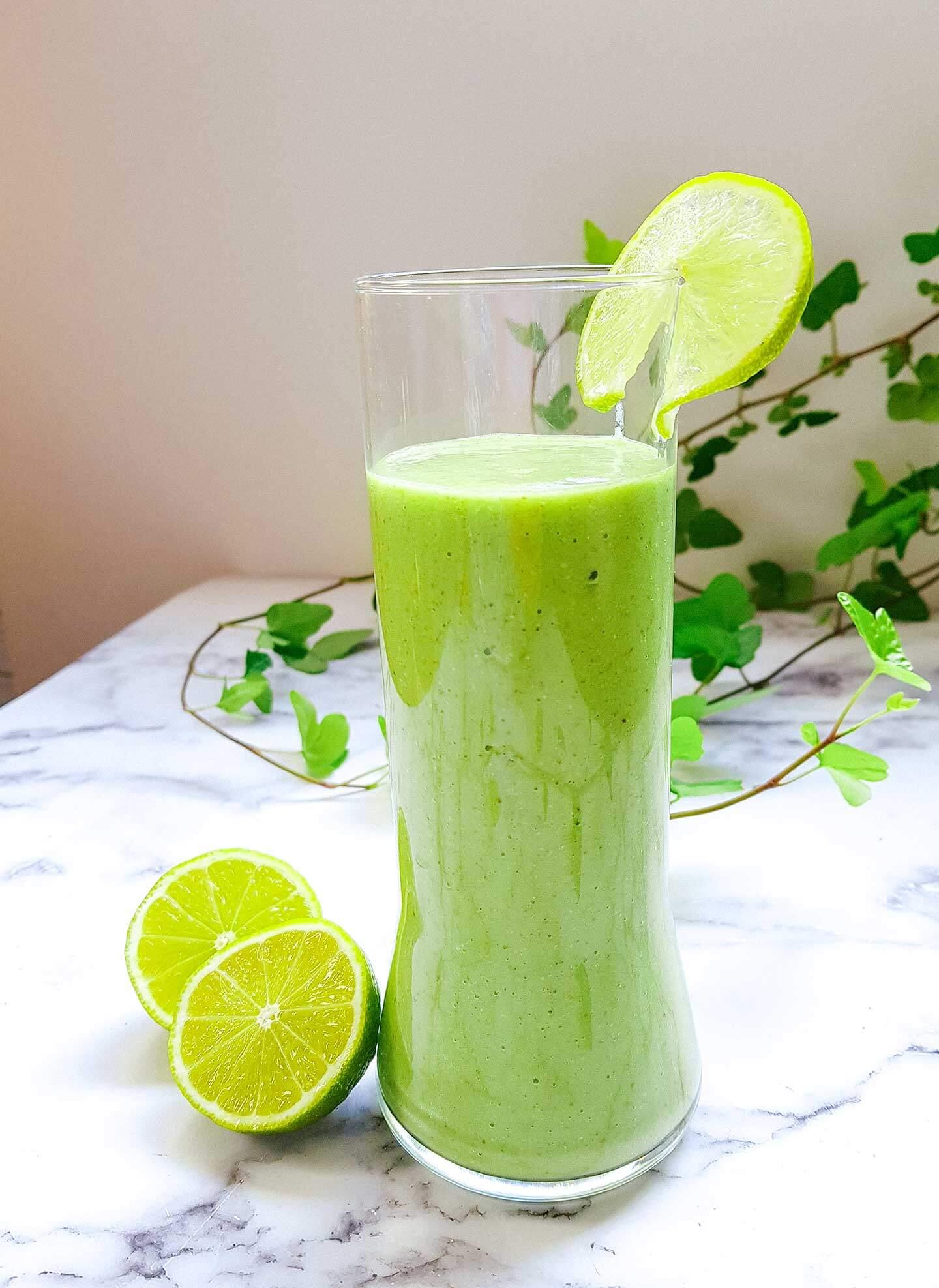 vihreä aamusmoothie