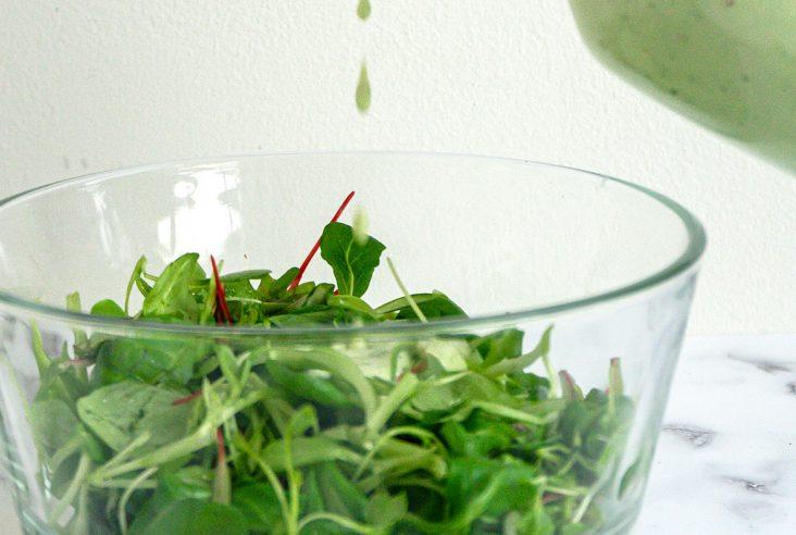Vihreä jogurttikastike
