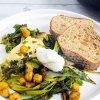 uunifetaa-ja-vihreita-vihanneksia