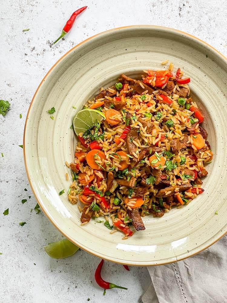 Paistettua riisiä