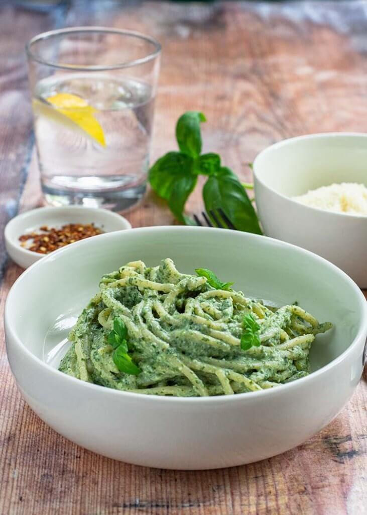 Helppo ja nopea vihreä pasta